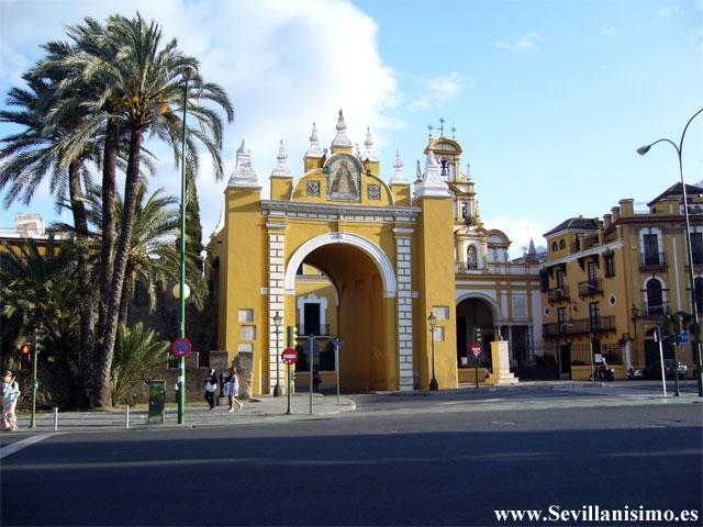 Puerta macarena de sevilla for Puertas correderas sevilla